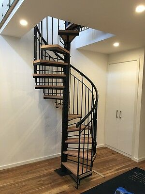 Wrought Iron spiral staircase Plain balustrade with timber thread 1500 Diameter