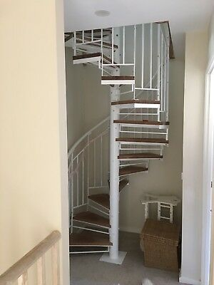 Wrought Iron spiral staircase Plain balustrade with timber treads 1250 Diameter