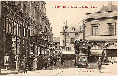 POITIERS (86) - Place d'Armes (tramway)