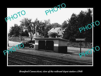 OLD LARGE HISTORIC PHOTO OF BRANFORD CONNECTICUT, THE RAILROAD STATION c1940