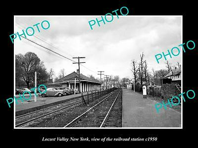 OLD LARGE HISTORIC PHOTO OF LOCUST VALLEY NEW YORK, THE RAILROAD STATION c1950