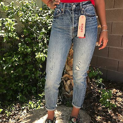 Brand New With Tags Womens Tapered Levi Mom Jeans High Waisted Wedgit Fit Size25