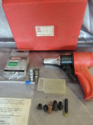 Huck AK-175 Pneudraulic Air Powered Rivet Tool (NJL013145)