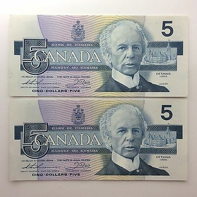 1986 Two Canada Consecutive Five 5 Dollars FOF Series Uncirculated Banknote B047