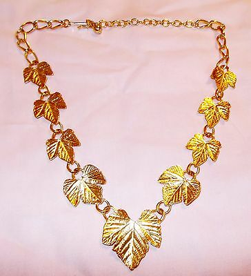 Vtg TRIFARI Necklace Gold Tone Leaves Realistic Etching 17 Inches Heavy