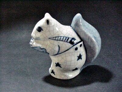 Dedham Pottery Potting Shed Blue On White Crackle Squirrel Figurine  Md*89 Usa