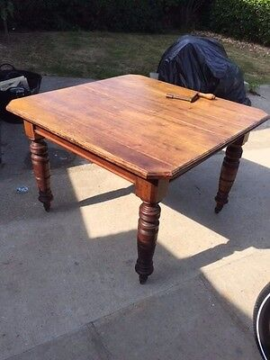 antique vintage dining table wind out seats 6 - 8 mahogany or oak