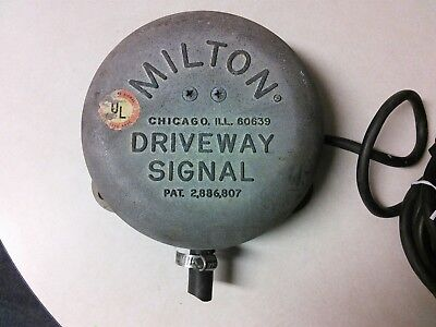 Milton Driveway Signal Bell May 12,1959 Works...No Hose