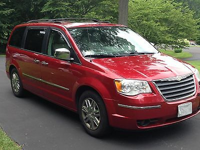 2008 Chrysler Town & Country Limited 2008 Chrysler Town & Country Limited  NAV, DVD, SUNROOF, SWIVEL N GO -NO RESERVE