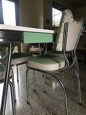 Mid Century table & Chairs 60's Green Vintage