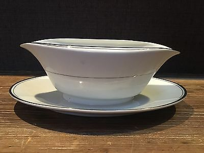 Imperial China Designed By W Dalton 319 Sincerity Gravy Boat & Underplate