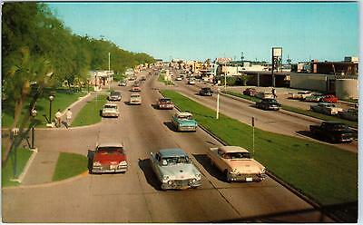 Hwy 90, MS Mississippi    Highway  STREET SCENE   Cool   c1950s   Cars  Postcard