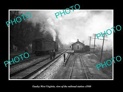 OLD LARGE HISTORIC PHOTO OF GAULEY WEST VIRGINIA, THE RAILROAD STATION c1940