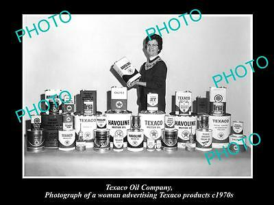 OLD LARGE HISTORIC PHOTO OF TEXACO OIL COMPANY ADVERTISING DISPLAY c1970s 1