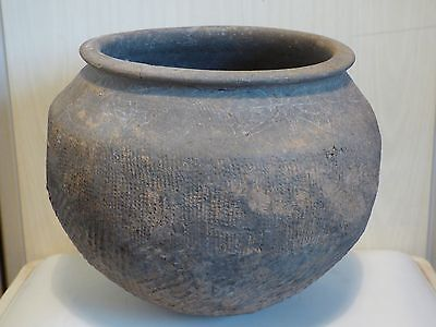 LARGE CHINESE SHANG DYNASTY POTTERY BOWL c.1523 to 1028 BC. IMPRESSED DECORATION