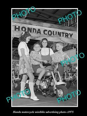 OLD LARGE HISTORIC PHOTO OF HONDA MINIBIKE MOTORCYCLES ADVERTISMENT c1975 2