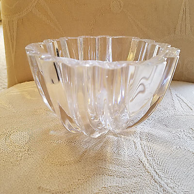 Signed ORREFORS Crystal Ribbed Center Bowl in Excellent Condition - BEAUTIFUL!
