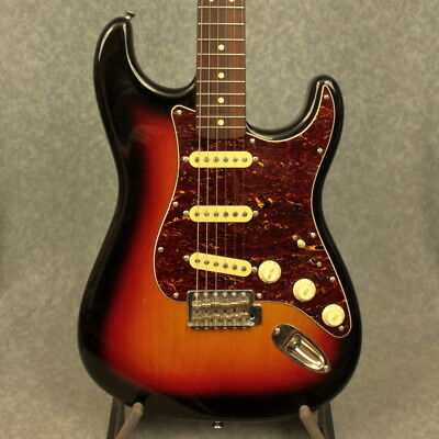 Fender Classic Vibe 60's Squire Stratocaster Electric Guitar