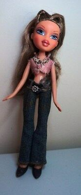 MGA ENTERTAINMENT teen BRATZ DOLL - Dressed in Bratz fashion clothes & footwear