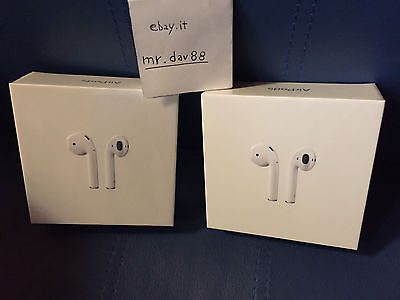Apple AirPods MMEF2ZM/A Originali Nuove sigillate In-Ear Headsets Wireless NEW