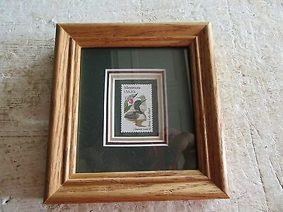 """Vintage 20 Cent Loon Stamp With Wood Frame 5"""" x 5""""   Lot 17-48-0ec"""