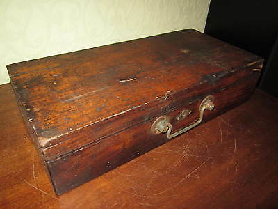 An old wooden gun case / pistol case