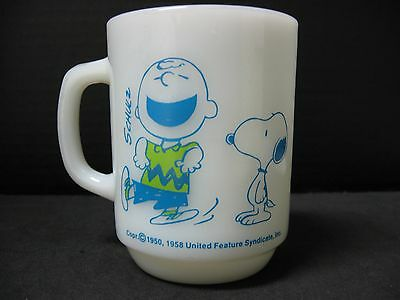 ONE (1) SNOOPY confident A H FIRE KING charlie brown COFFEE mug