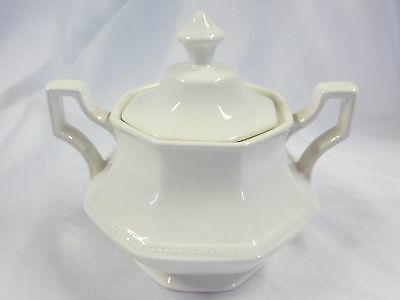 JOHNSON BROTHERS - Heritage White - SUGAR BOWL WITH LID - 1098