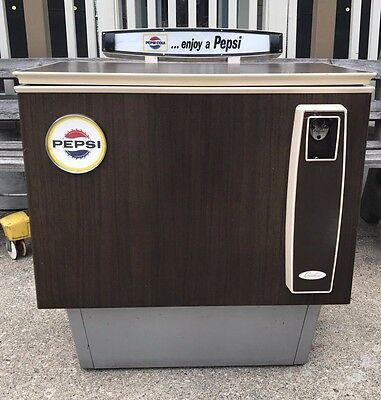 Vintage Pepsi Plug-in Coin Operated Vending Cooler 1970's?