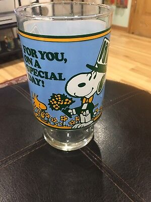 "Vintage 1965 Peanuts Snoopy & Woodstock Special Day 7"" Glass Flower Vase 60s"