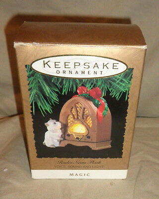 "1993 Hallmark Keepsake Magic Ornament ""Radio News Flash"" Voice, Sound & Light!"