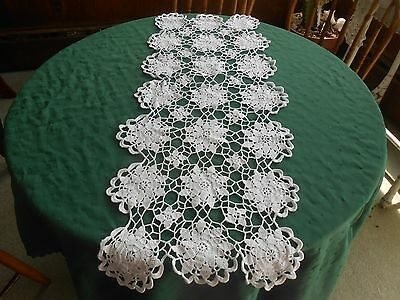 Lovely Snow White Hand Crochet Lace Runner In A Pretty Flower Pattern, Circa1930