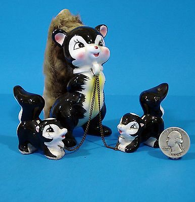 Vintage Pottery SKUNK FAMILY Figurines Mom w/Babies on Chains real fur tail