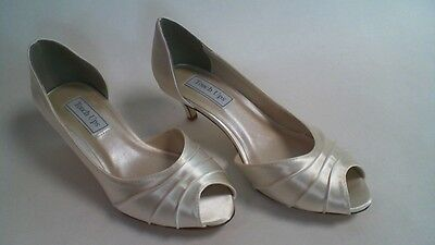 Touch Ups Bridal/Wedding Shoes - Abby - Ivory - US 7 W - UK 5 Wide #23R835