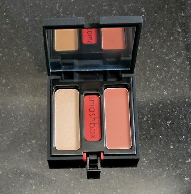 Smashbox     HOT SHOT   Lip Brilliance  Lipstick Compact    Champagne / Peach
