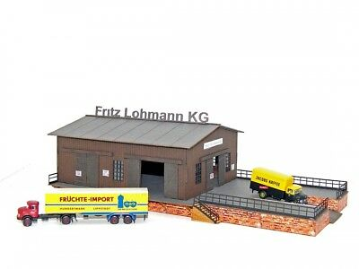 NEW RAIL MODELS N Scale 12013 Passenger And Freight Shelter