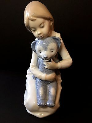 """Lovely Nao Figurie of Young Girl Kneeling With Teddy Bear 7.5"""" (19cms) Tall"""