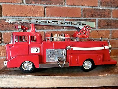 Vintage Fire Truck Tin Toy Red Fire Engine Battery Vintage Toy Truck