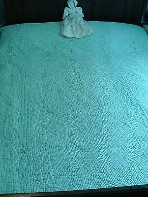 Gorgeous Worn Vintage Durham Quilt, Reversible - 86 x 89 - Green and White
