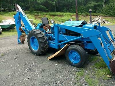 Great Running Ford 4400 2Wd Tractor, Loader And Wain-Roy Backhoe Attachment