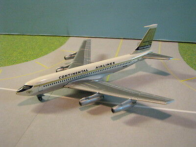 """Dragon Wings Continental Airlines """"golden Jet"""" B720B 1:400 Scale Diecast Model"""