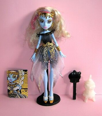 MONSTER HIGH 13 Wishes Haunt the Casbah Abbey Bombinable doll VGC