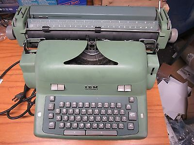 IBM Executive Typewriter Model 41C Works and tested manuals and cover free ship
