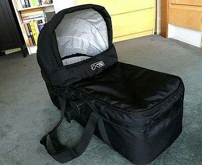 Mountain Buggy carrycot/bassinet for Swift