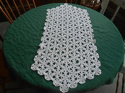 Snow White Hand Crochet Lace Runner In A Beautiful Star Like Pattern, Circa 1930