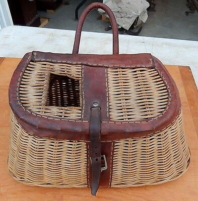 Vintage Fishermans Wicker & Leather Creel - Very Good Condition