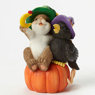 Charming Tails~Crow Closer~Mouse And Crow On Pumpkin Figurine~4046777~Halloween