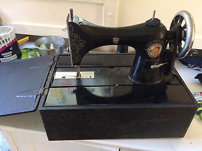 Tailor Bird Vintage Sewing Machine, With Case,