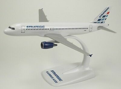 Strategic Airways Airbus A320 1/200 scale modellflugzeuge NEU
