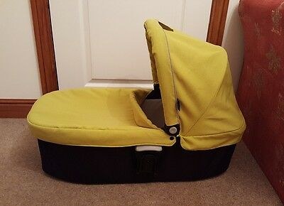 Graco Evo Carrycot in lime green